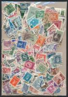 1.000 klf Kelet-Európai bélyeg, közte sok régi tasakban ömlesztve
