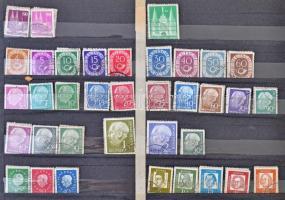 1.200 db 10-es köteg (12.000 db bélyeg) vegyes külföldi anyag, benne főleg német bélyegekkel 11 lapos, fekvő A4-es berakóban