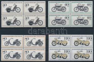 Motorcycles set in blocks of 4 Motorkerékpárok sor négyestömbökben