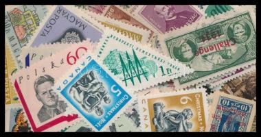 Vegyes külföldi bélyeg tasakban