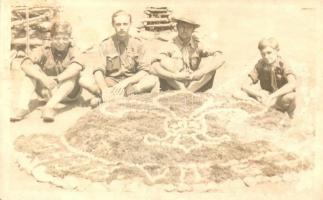 1938 Losonc, Lucenec; magyar cserkészek kövekből kirakott tábori jelvénnyel / Hungarian scouts with camp badge made of rocks, photo