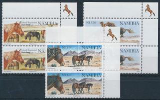 Horse 3 stamp in corner pairs (Mi 1316 missing), Ló sor 3 értéka ívsarki párokban (hiányzik Mi 1316)