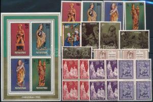 1958-1981 Christmas 9 stamps + 4 blocks of 4 + block, 1958-1981 Karácsony motívum 9 klf bélyeg + 4 klf 4-es tömb + blokk