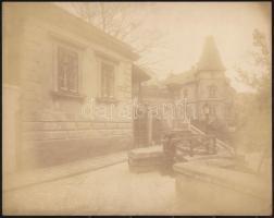 cca 1900 Budapest, I Logodi utca, háttérben az Alagút és a ma már nem létező házsor.. Nagyméretű fotó. Erdélyi Mór (1866-1934) fotográfiája. 28x23 cm