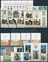 Nemzetközi gyermekév motívum 6 klf sor + 2 db blokk + 2 db önálló érték 2 stecklapon International Children's Year 6 set + 2 block + 2 stamp