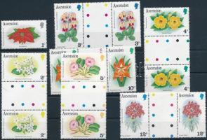 Flowers set in coupon pairs + 1 value, Virágok sor szelvényes párokban + 1 önálló érték (2 db stecklapon)