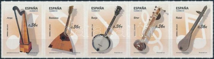 Hangszerek sor öntapadós ötöscsíkban Musical instruments set self-adhesive stripe of 5