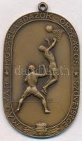 1942. Magyar Kosárlabdázók Országos Szövetsége Br sportérem füllel (38x61mm) T:1-