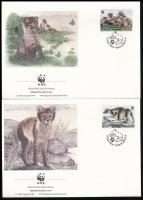 WWF Arctic foxes block of 4 + 4 FDC WWF: Sarki rókák négyestömb + 4 FDC