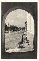 Bereck, Bretcu; Fő út, Hankó György. Dr. Gyulai Ferenc felvétele / main street