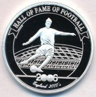 Uganda 2006. 2000Sh Ag A labdarúgás halhatatlanjainak csarnoka - Anglia 2000-es évek / David Beckham T:PP  Uganda 2006. 2000 Shillings Ag Hall of Fame of Football - England 2000s / David Beckham C:PP