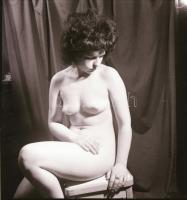 cca 1972 Álomképek, szolidan erotikus felvételek, 13 db vintage negatív Vincze János kecskeméti fotóművész hagyatékából, 6x6 cm