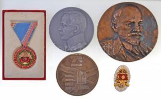 5db-os vegyes plakett és kitüntetés tétel, külföldi és magyar darabokkal, közte Lenin Br plakett T:2