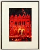 RARocz jelzésel: Parlament, Budapest, 1990. október 23., nagyméretű fotó, üvegezett keretben, 49×33 cm