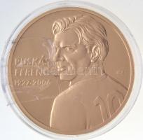 ifj. Szlávics László (1959-) 2011. Nagy Magyarok / Puskás Ferenc 1927-2006 aranyozott Cu emlékérem (40mm) T:PP