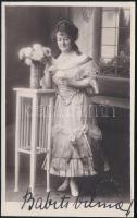 Babits Vilma (1891-?) magyar színésznő fotólapja autográf aláírással