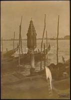 Kerny István (1879-1963) budapesti fotóművész hagyatékából jelzés nélküli, vintage fotóművészeti alkotás, 28,5x20 cm