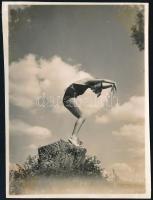 cca 1933 Thöresz Dezső (1902-1963) békéscsabai fotóművész hagyatékábólvintage fotó, 8,3x6 cm