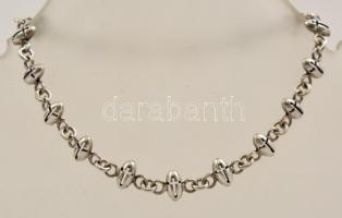 Ezüst(Ag) keresztszemes karkötő, jelzett, h: 18,5 cm, nettó: 6 g