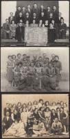 3 db munkásokat ábrázoló csoportkép (Helko Kötöttárugyár, Szocialista Rekord Brigád, Matrozov Szeminárium), 9×14 cm