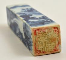 Kínai pecsétnyomó. Mázas, festett porcelán. Hibátlan / Chinese seal maker. Glazed, painted. 13 cm