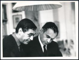 Debreczeni Gábor (1917-1971) és Somlyó György (1920-2006) költők közös fotója, 9×12 cm