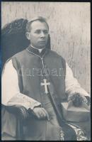 1939 Czapik Gyula (1887-1956) veszprémi püspök saját kezű sorai és aláírása egy őt ábrázoló képeslapon