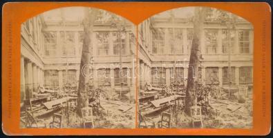 cca cca 1880-1900 Budapest, a Császárfürdő udvara árvíz után, sztereófotó, 8,5×17,5 cm