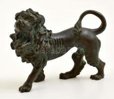 XIX. sz: Oroszlán figura. Vas és bronz ötvözet / Lion figure. Bronze, iron. 17x14 cm
