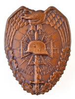 ~1930. Országos Frontharcos Szövetség Bajtársi Szolgálatért Br kitüntető jelvény, hátoldalán BERÁN BPEST DÖBRENTEI U. 2. gyártói jelzéssel (50x39mm) T:1-,2