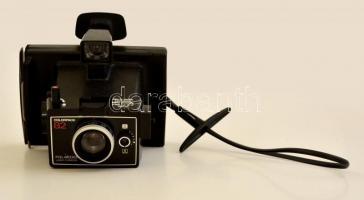 cca 1973 Polaroid Colorpack 82 fényképezőgép, jó állapotban / Polaroid instant film camera, in good condition