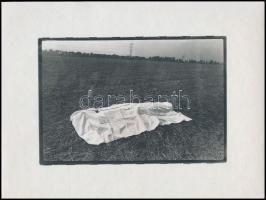 cca 1976 Iván Béla: All souls' day, feliratozott vintage fotóművészeti alkotás, a magyar fotográfia avantgarde korszakából, dokufotópapíron, 18x24 cm