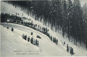 Oberhof, Bobsleigbahn grosse Kurve, Wintersport / Téli sport, szánkózók / winter sport, sledding, bobsleigh. Kunstverlag v. Atelier Schüler I. 12.