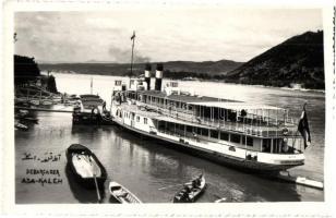 Ada Kaleh, Debarcader / rakpart, kikötő az MFTR Erzsébet királyné kerekes gőzösével / wharf, port, Hungarian passenger steamship. Ömer Feyzi Boray photo