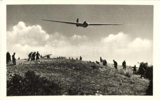 Juni-18 nagy teljesítményű gép start után. Képzőművészeti Alap 1953 Magyar Repülőszövetség Repülőnap So. Stpl