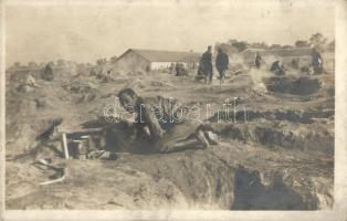 Osztrák-magyar katonák a fronton, víz felfőzése / WWI Austro-Hungarian K.u.K. military, soldiers boiling water. photo (fl)