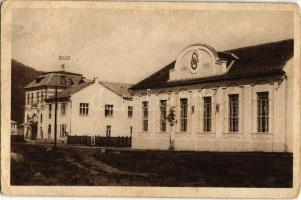 Rózsahegy, Ruzomberok; Kino, Sokolovna / mozi, Szokol sportmozgalom háza / cinema, Sokol movements building (kopott sarkak / worn corners)