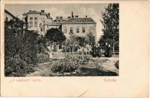 1900 Budapest III. Óbuda, Jó pásztor zárda nővérekkel a kertben. Divald Károly 251. sz.