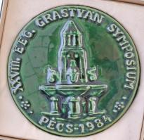 1984. XXVIII. EEG. Grastyán Symposium - Pécs 1984 mázas kerámiaplakett, eredeti tokban (103mm) T:1-