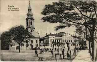 Gyula, Református templom és megyeháza. Kiadja a Leopold nyomda (EK)