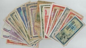 33db-os jugoszláv és román bankjegy tétel T:III,III- kevés IV 33pcs of Yugoslavian and Romanian banknotes lot C:F,VG with few Gs