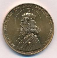 Madarassy Walter (1909-1994) 1993. SANCTVS STEPHANVS HVNGARIAE PROTOREX ET APOSTOLVS / István királynak szíve gazdagságát - Budapest 1993. aranyozott fém emlékérem (40mm) T:2