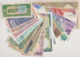 Vegyes 18db-os külföldi bankjegy tétel, köztük Laosz, Kambodzsa, Fülöp-szigetek, India, Indonézia T:I-,III Mixed 18pcs of various banknotes, including Laos, Cambodia, Philippenes, India, Indonesia C:AU,F