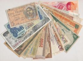 Vegyes 15db-os külföldi bankjegy tétel, köztük Nigéria, Kongó, Peru, Venezuela, Brazília T:II,-III Mixed 15pcs of various banknotes, including Nigeria, Congo, Peru, Venezuela, Brazil C:XF,VG