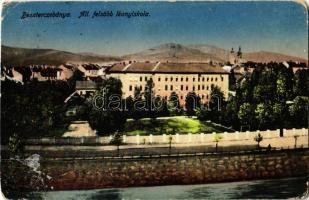 1917 Besztercebánya, Banská Bystrica; Állami felsőbb leány iskola. Kiadja Machold F. / girls school (kopott sarkak / worn corners)