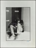 cca 1978 Benkő Gábor: Alkohol c. vintage fotóművészeti alkotása, aláírva, feliratozva, kasírozva, 39,5x30 cm