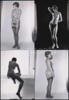 cca 1979 Bájosak, kedvesek és szépek, szolidan erotikus felvételek, 13 db mai nagyítás régi negatívokról, 12,5x9 cm