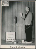 Djemil Martin a Martinophon feltalálója szerkezetével. 24x18 cm 3 db
