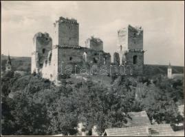 cca 1958 Diósgyőri vár a régészeti feltárás és újjáépítés előtt, 17,3x23,3 cm