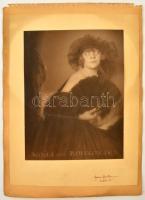 Franz Fiedler (1885-1956): Agnés von Bukovska. Zselatinos ezüst nagyítás. Jelzett fotó kartonon. Hátoldalán mások fotó. / Gelatin print. 22 x17 cm on cartboard